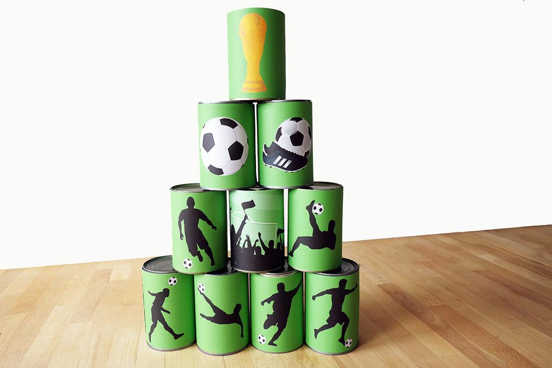 Fußballparty Spiel: Dosenwerfen oder Schießen